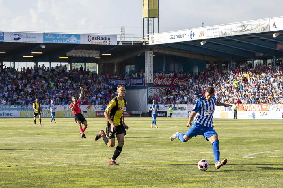 Final-Ponferradina-Hercules-Playoff-29-junio-2019-980_124