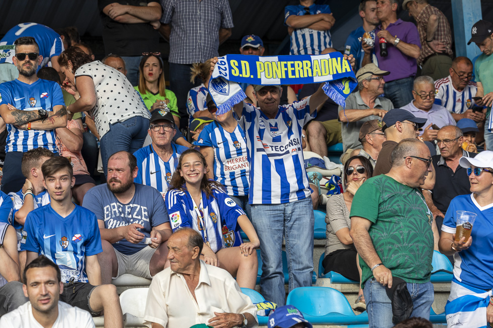 Final-Ponferradina-Hercules-Playoff-29-junio-2019-980_185
