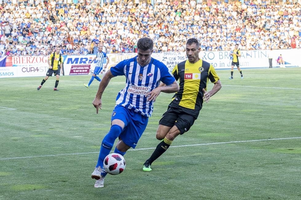 Final-Ponferradina-Hercules-Playoff-29-junio-2019-980_312