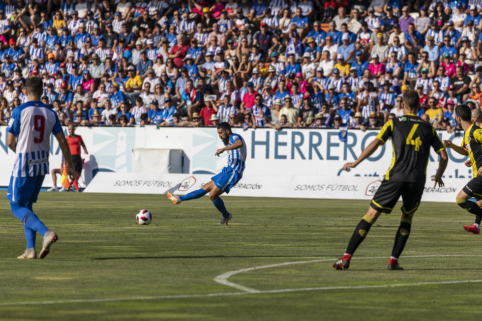 Final-Ponferradina-Hercules-Playoff-29-junio-2019-980_71