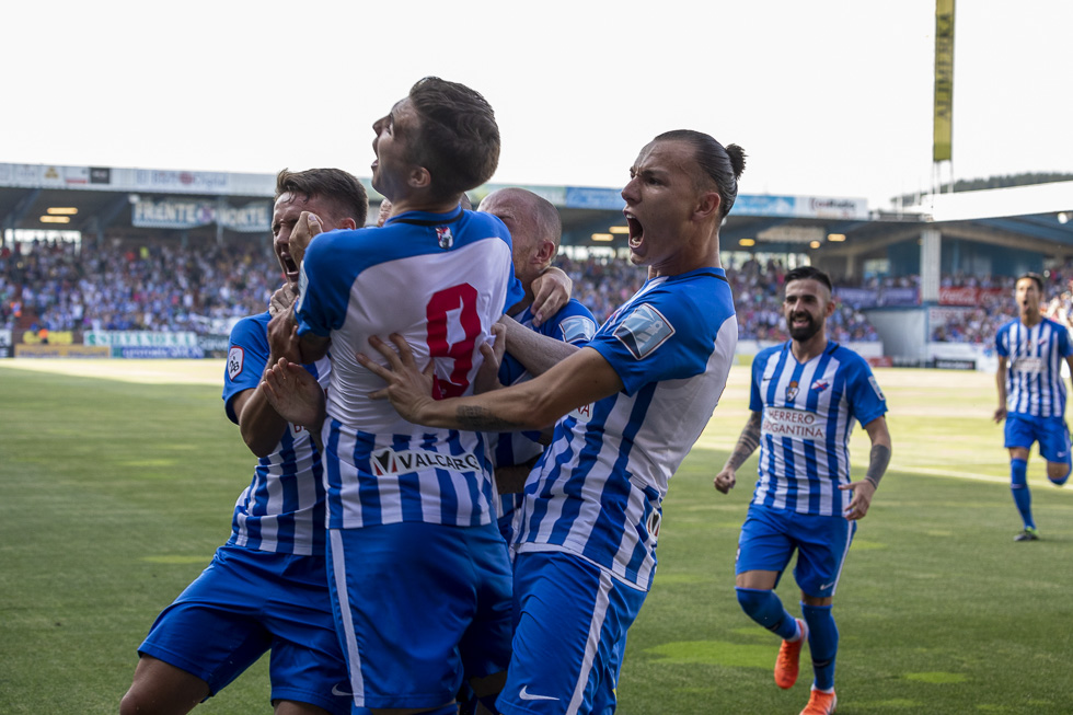 Final-Ponferradina-Hercules-Playoff-29-junio-2019-980_84