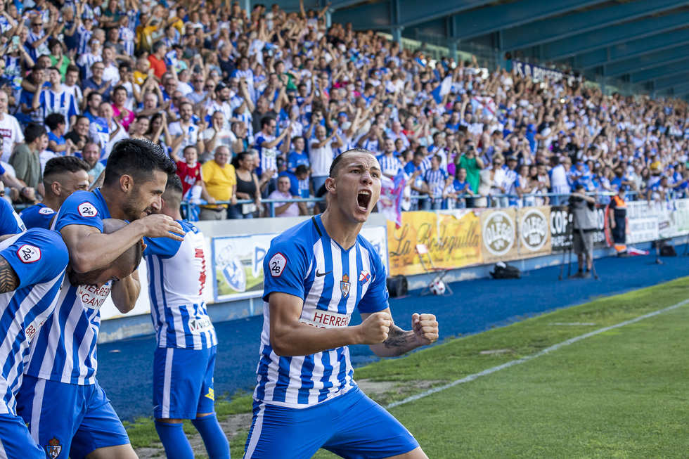Final-Ponferradina-Hercules-Playoff-29-junio-2019-980_87