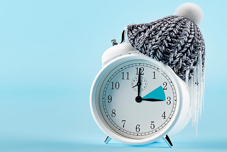 clock changing from summer to winter time. wintertime concept. 3